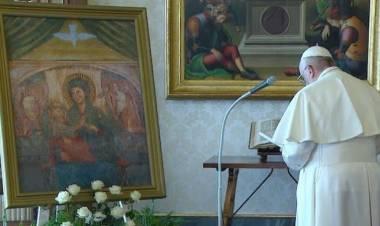 Ajak Umat Katolik Berdoa Rosario di Rumah Selama Bulan Mei, Paus Minta Ujud Khusus Terkait Covid-19