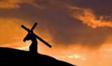 """""""Mengikuti Yesus, Memanggul Salib"""""""