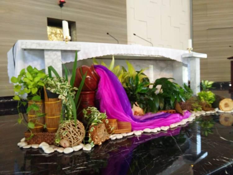 Dibalik Keindahan Dekorasi Altar